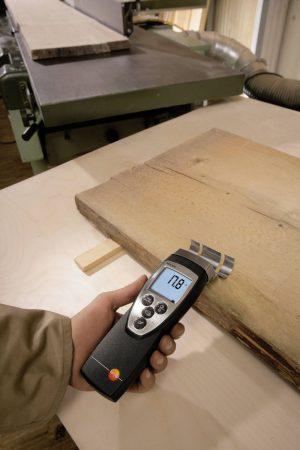 testo 616 - Material Moisture Meter on action